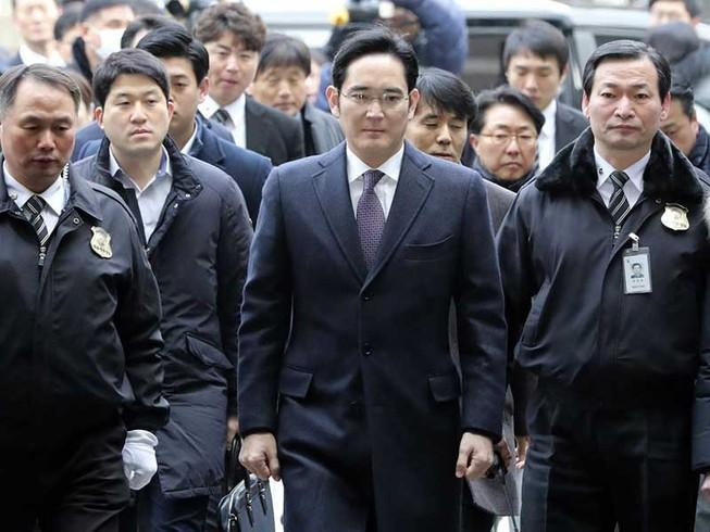 Tương lai bất ổn của 'thái tử' Samsung