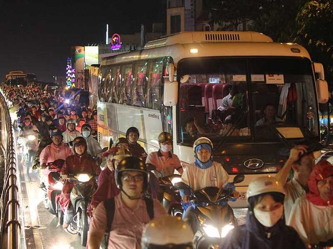Giải pháp độc đáo gỡ kẹt xe Tân Sơn Nhất