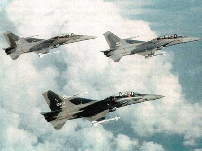 Đài Loan gấp rút đóng 66 máy bay quân sự