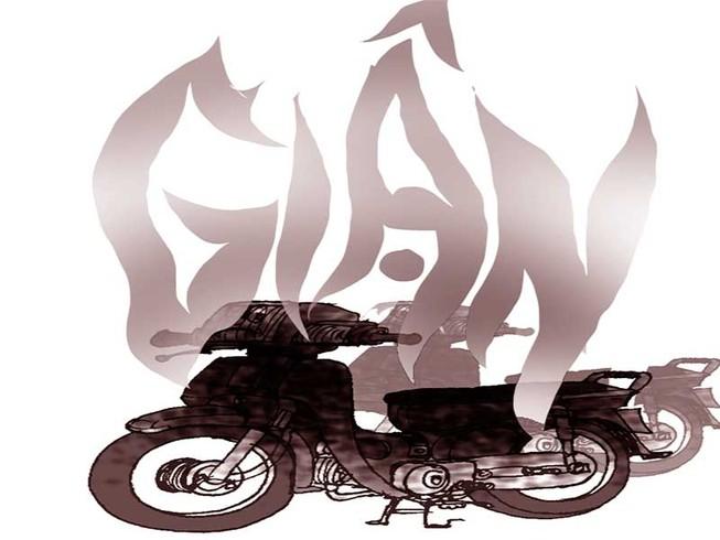 Giận vợ lôi xe ra đốt