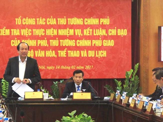 Thúc thủ trước nạn lễ hội, bộ trưởng VH-TT&DL bị phê