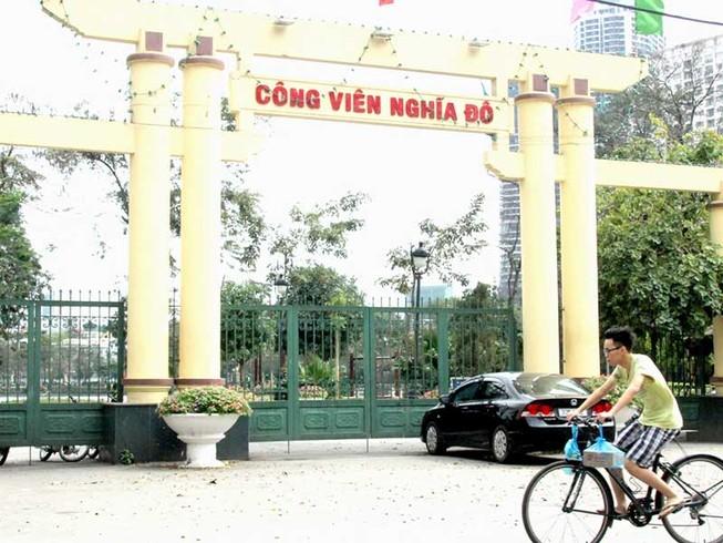 Hàng rào quanh công viên: Giữ hay bỏ?