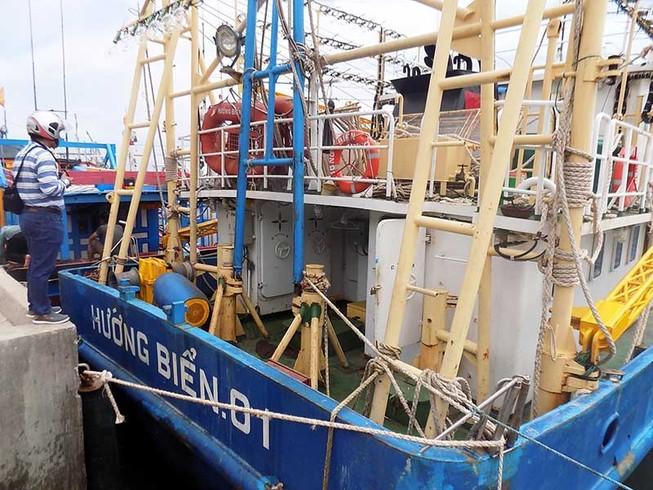Buộc tháo dỡ tàu tráo vỏ thép Trung Quốc
