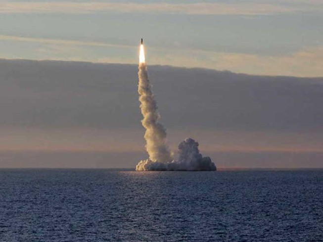 Tàu ngầm Nga nã 7 tên lửa hành trình diệt IS