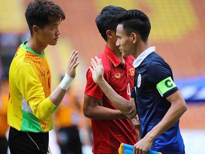 Nếu không thay đổi sẽ sớm thua bóng đá Campuchia