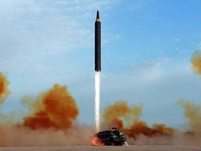 Ông Shinzo Abe 'hồi sinh' nhờ… tên lửa Triều Tiên?