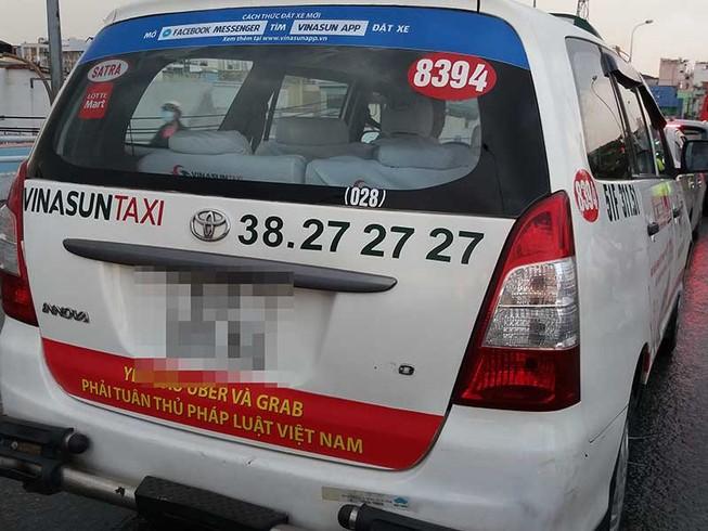 Vinasun đã tháo khẩu hiệu phản đối Grab, Uber