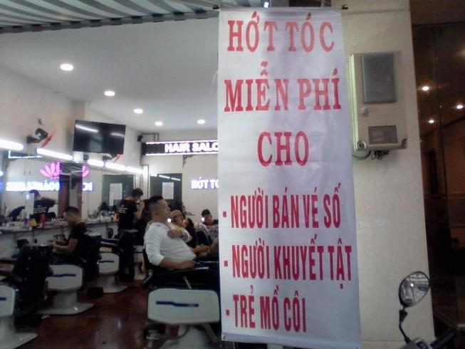 Mừng vì được tiếp tục hớt tóc miễn phí cho người nghèo