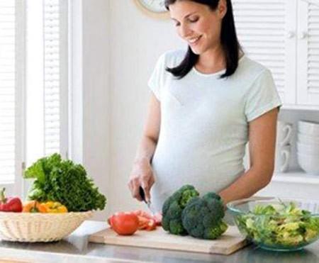 Chế độ ăn trước thai kỳ ảnh hưởng đến bộ gen của trẻ
