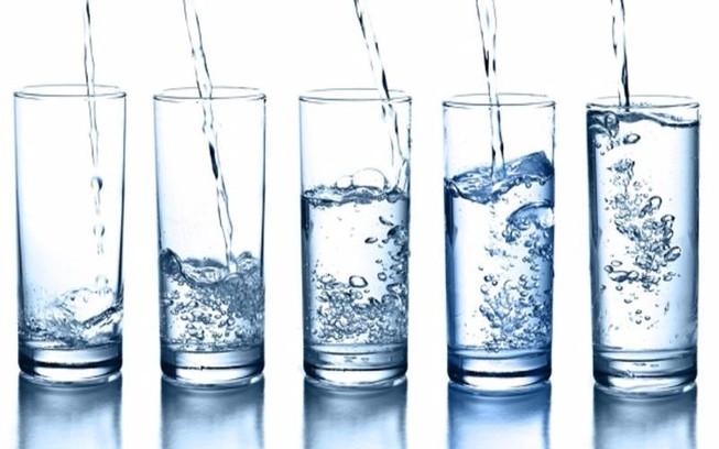Kết quả hình ảnh cho bạn nên uống bao nhiêu nước trong một ngày