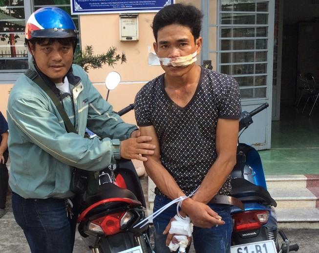 'Hiệp sĩ' vây bắt tên trộm xe máy