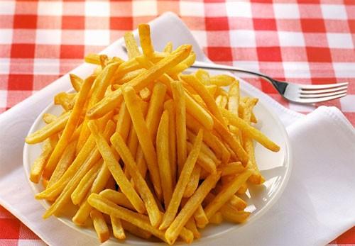 4 loại thực phẩm dễ gây ung thư hơn thuốc lá