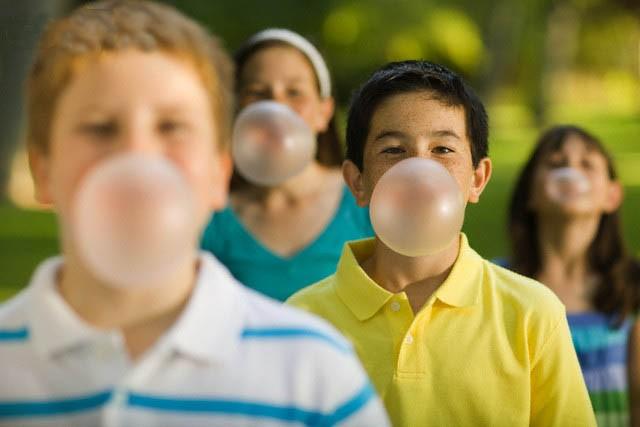8 mối nguy hiểm khi nhai kẹo cao su