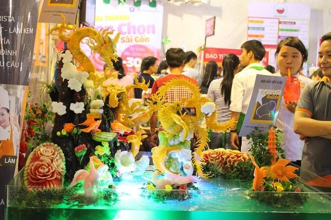 Dân sành ăn Sài Gòn thích thú với Liên hoan Ẩm thực 2015