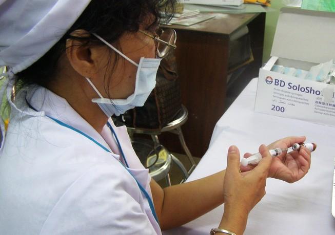 Trẻ tử vong ở TP.HCM không liên quan tiêm ngừa vaccine Quinvaxem