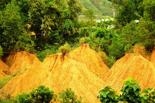 Quảng Nam: Khẩn cấp di dời dân ra khỏi vùng có nguy cơ sạt lở đất