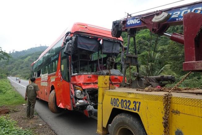 Nguyên nhân 3 xe giường nằm tông liên hoàn ở Lâm Đồng