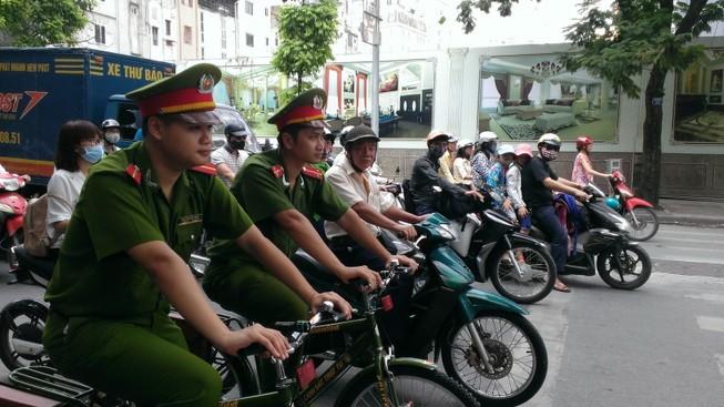 Chính thức ra mắt xe đạp đi tuần của Công an Hà Nội