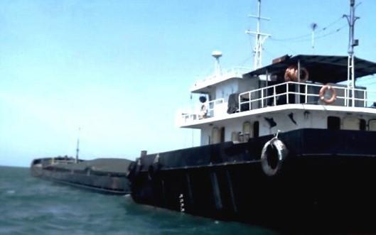 Cảnh sát biển bắt giữ tàu vận chuyển than lậu