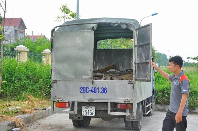 Bắt 1 tấn da trâu bò ôi thối đang trên đường về nơi chế biến