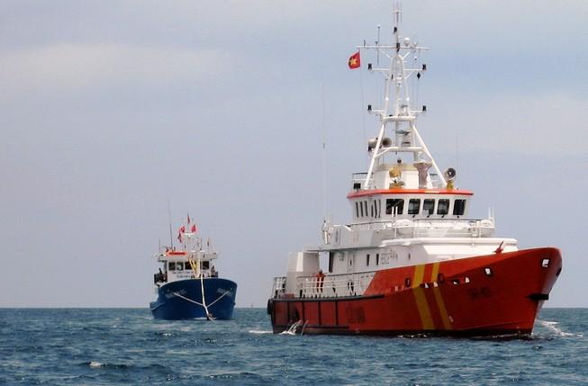 Cấp cứu một ngư dân bị nạn tại Trường Sa