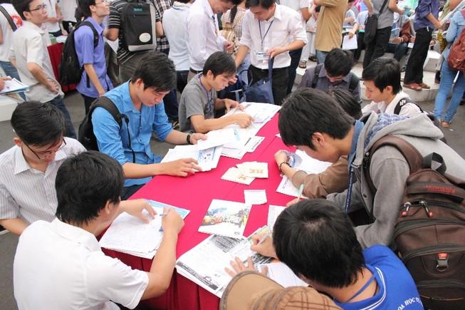 3.000 việc làm trong ngày hội tuyển dụng của sinh viên