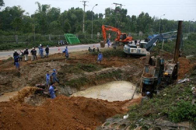 Khởi công đường ống dẫn nước sông Đà 2 sau 15 lần gặp sự cố