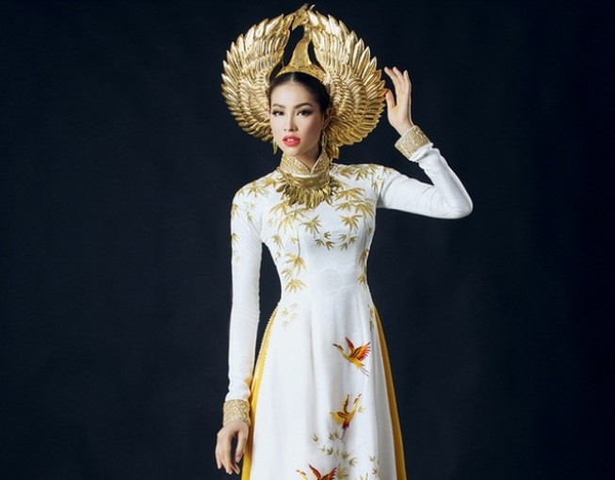 Công bố trang phục dân tộc của Phạm Hương