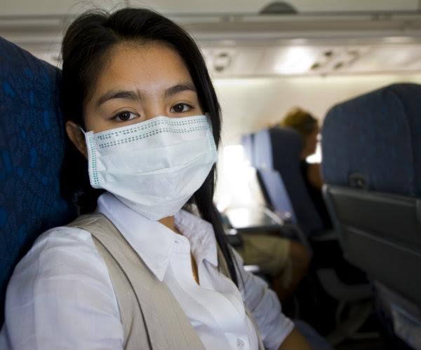 Mẹo bỏ túi giúp tránh nhiễm bệnh khi đi máy bay