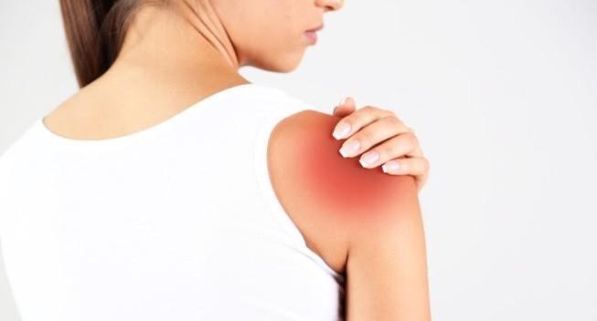 Đau tay có thể là dấu hiệu đau tim, nghẽn mạch máu