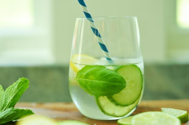 Những tác hại không ngờ khi uống nước chanh giảm cân