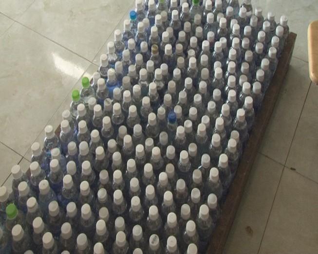 Kinh hoàng: 18.000 lít giấm ăn làm bằng acid và nước lạnh