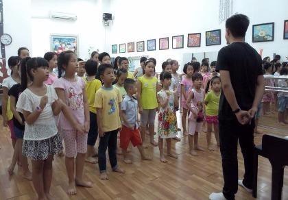 Đỗ Nhật Nam tổ chức đêm nhạc giúp đỡ bệnh nhi nghèo