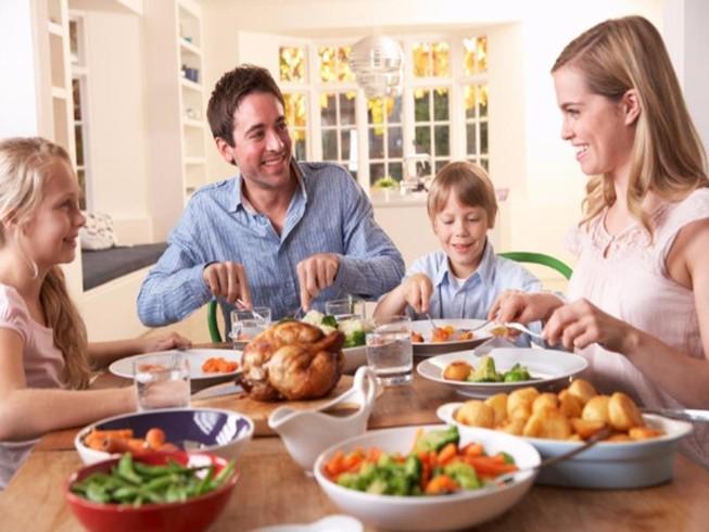 5 việc nguy hiểm tuyệt đối không nên làm sau bữa ăn