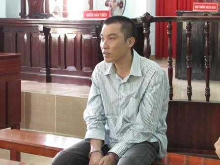 Mới tuột quần đã bị phạt... 14 năm tù