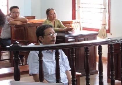 'Bị cáo cảm thấy nhục nhã khi đứng trước HĐXX xin giảm án'