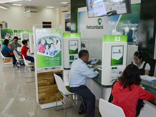 'Đại gia' VCB bất ngờ giảm sâu lãi suất cho vay