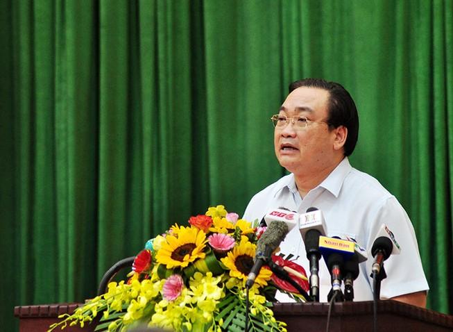 Bí thư Hà Nội yêu cầu tìm nguyên nhân cá chết ở Hồ Tây