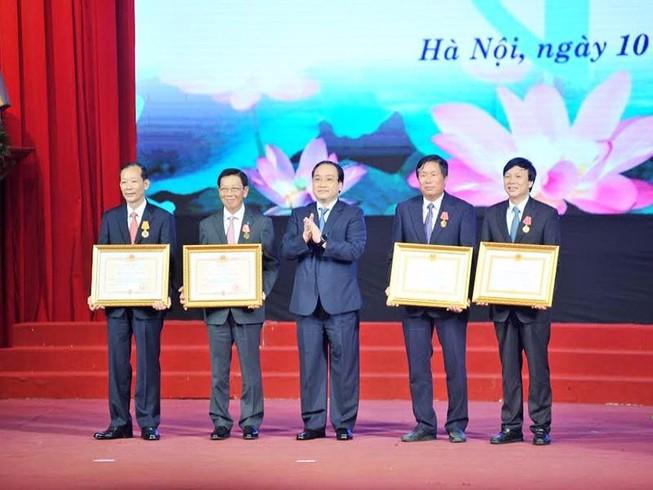 Ông Nguyễn Thế Thảo nhận huân chương Độc lập hạng Nhất