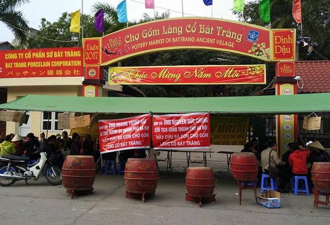 Tiểu thương Bát Tràng bức xúc vì chợ bất ngờ đóng cửa