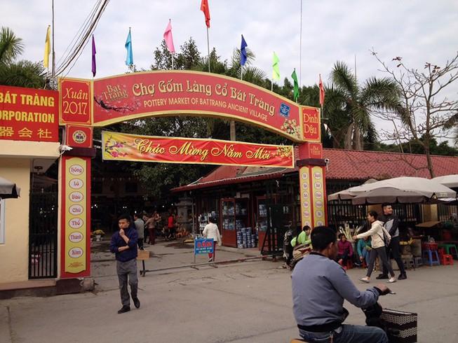Vụ đóng cửa chợ Bát Tràng: Tiểu thương đã vào buôn bán