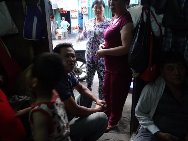 Cận cảnh nhà 15 m2 xập xệ có 23 nhân khẩu ở Sài Gòn