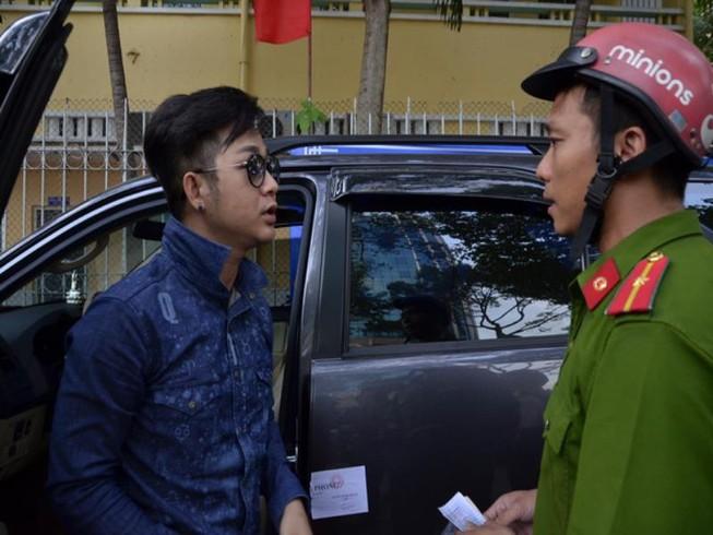 Luật sư nói sao về vụ cẩu xe của ca sĩ Quách Tuấn Du