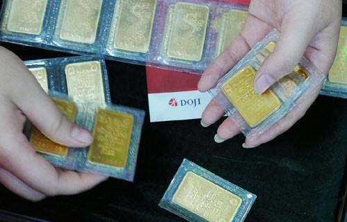 Giá vàng SJC tiếp tục tăng, đôla yên ắng sau tin từ FED