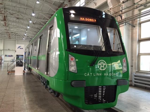 Cận cảnh tàu điện cao tốc đầu tiên của Việt Nam