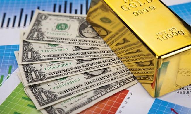 Giá vàng giảm, USD đảo chiều tăng