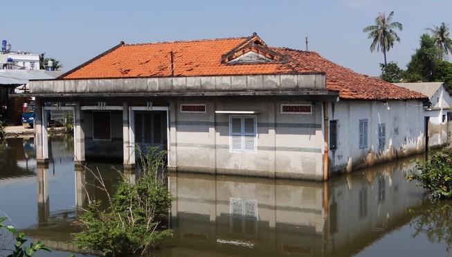 Hi hữu: Nhà ở Sài Gòn ngập úng suốt 6 năm