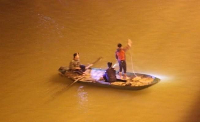 Tìm thấy thi thể một bác sĩ trên sông Lam
