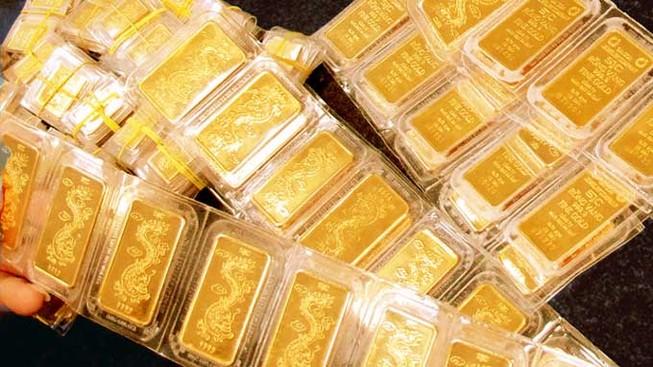 Giá vàng thế giới 'bốc hơi' 400.000 đồng/lượng