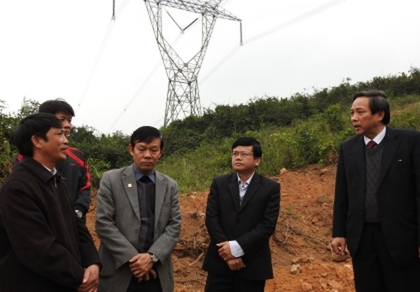 Bí thư tỉnh Quảng Bình đi thực tế kiểm tra nạn trộm diệp thạch sét